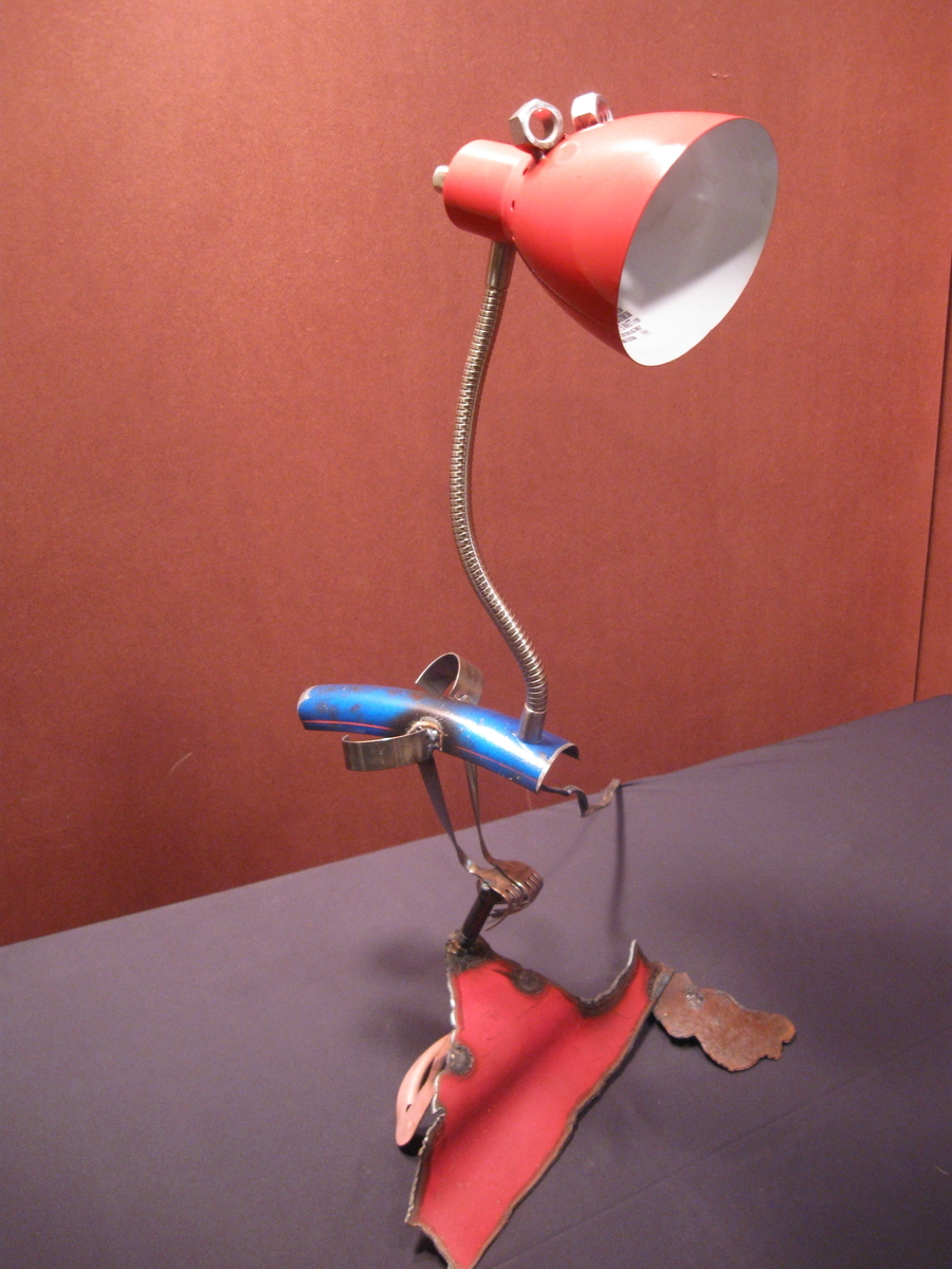 red lamp bird (large view)