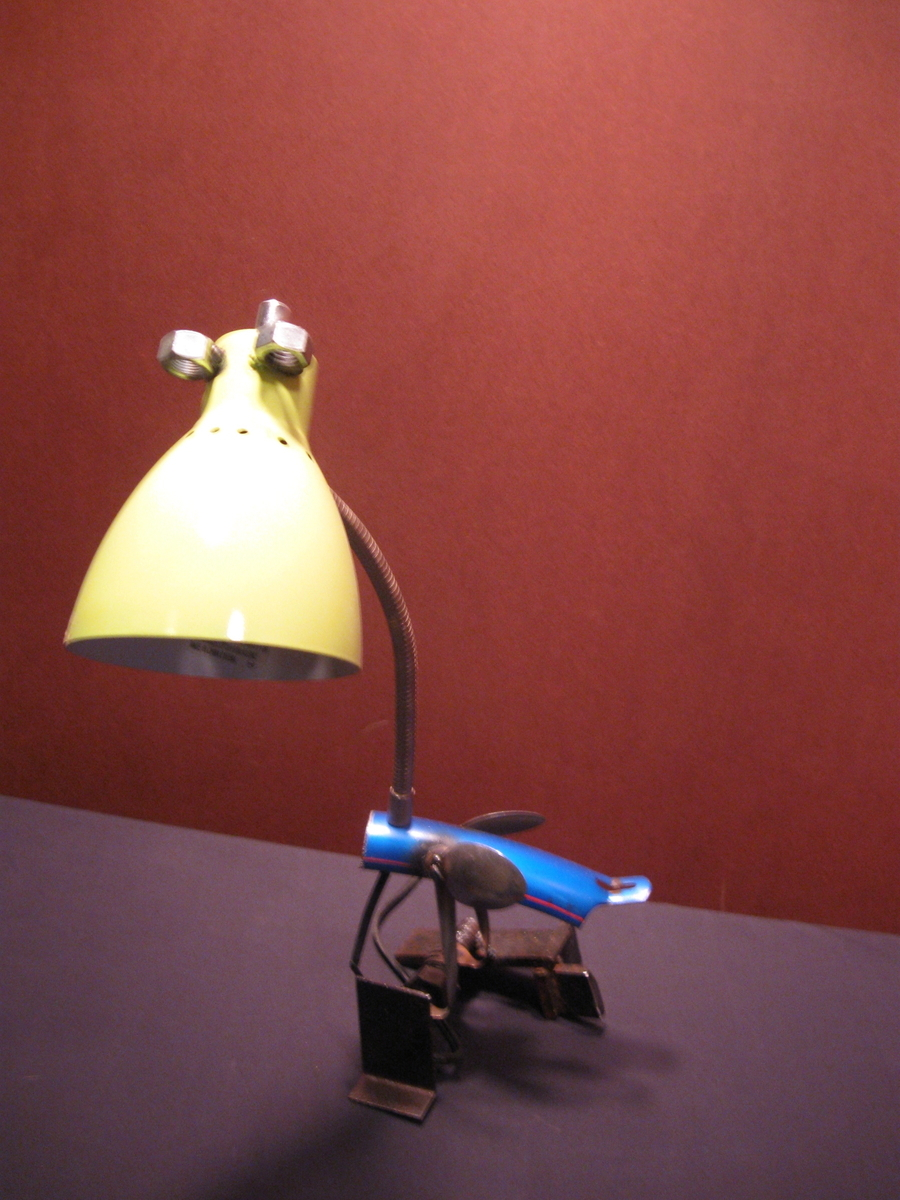 yellow and blue bird lamp (large view)