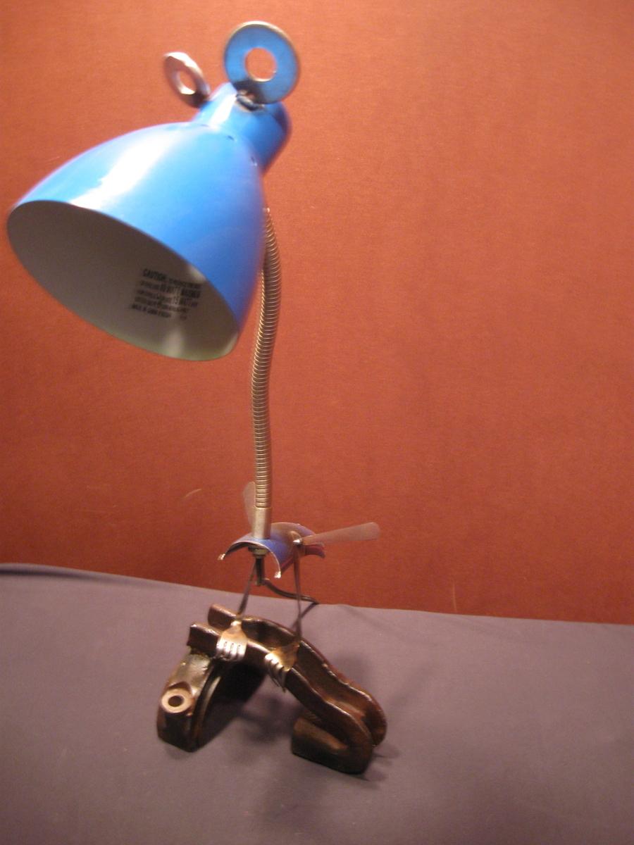 blue standing bird lamp (large view)