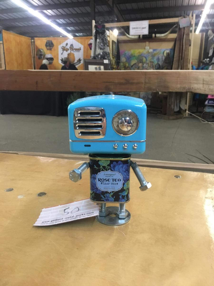 Bluetooth speaker robot  (large view)