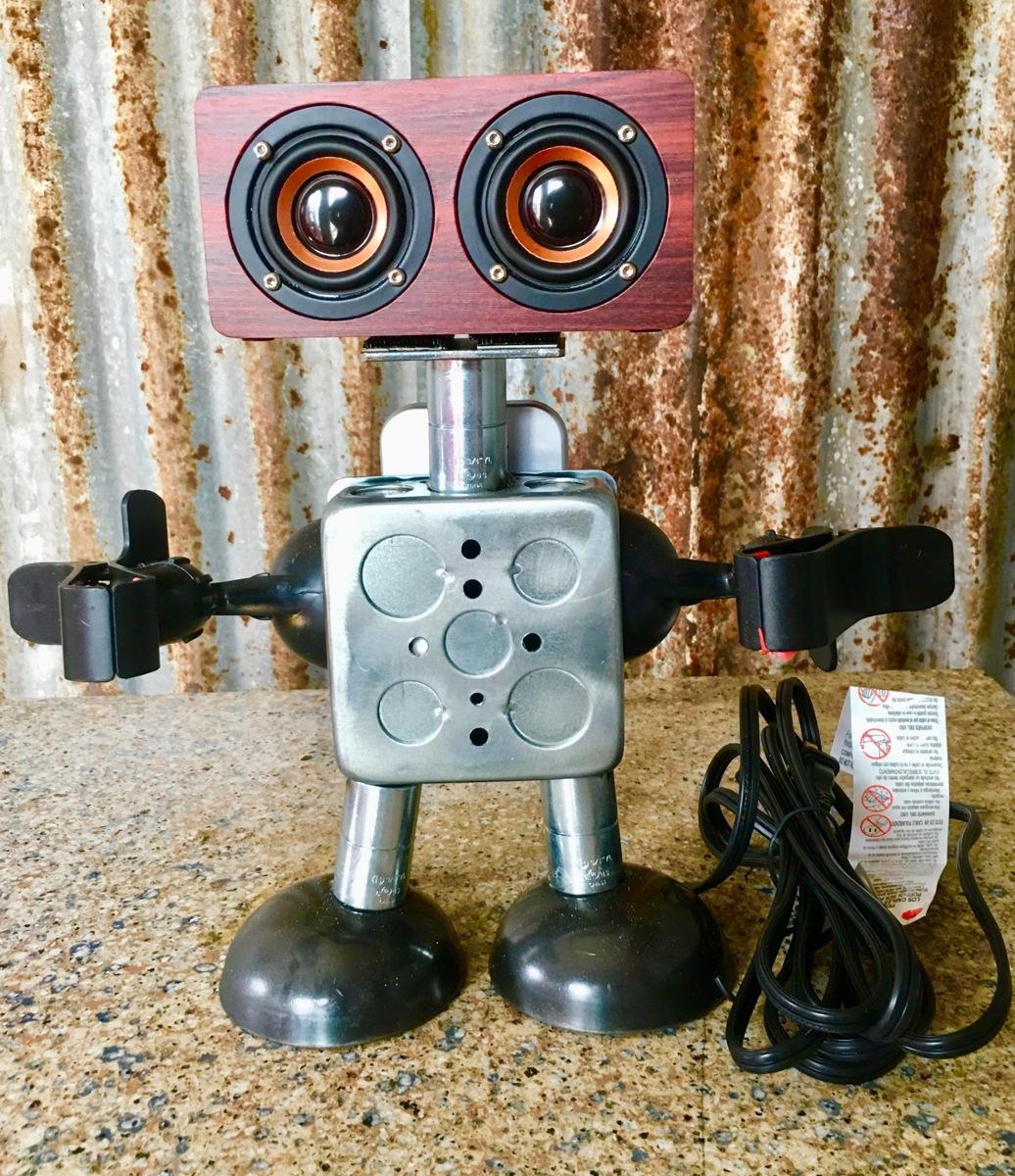Speaker robot  (large view)
