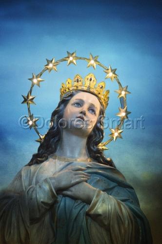 Virgen Mary Statue, Italy