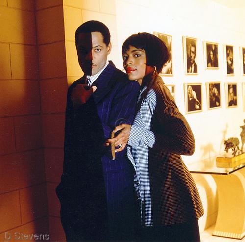 Laurence Fishburne & Angela Bassett (2)