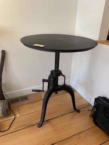 metal adjustable table