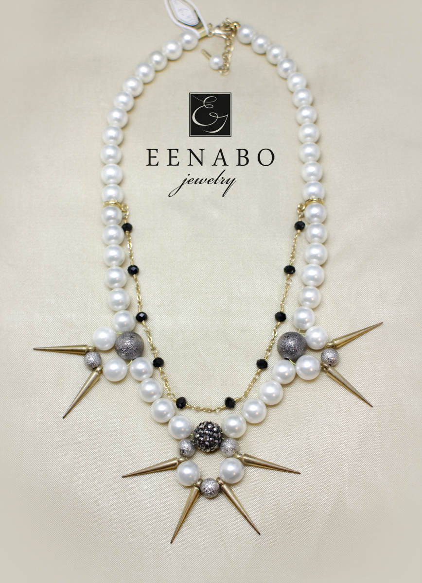 Shell Pearl Necklace (large view)
