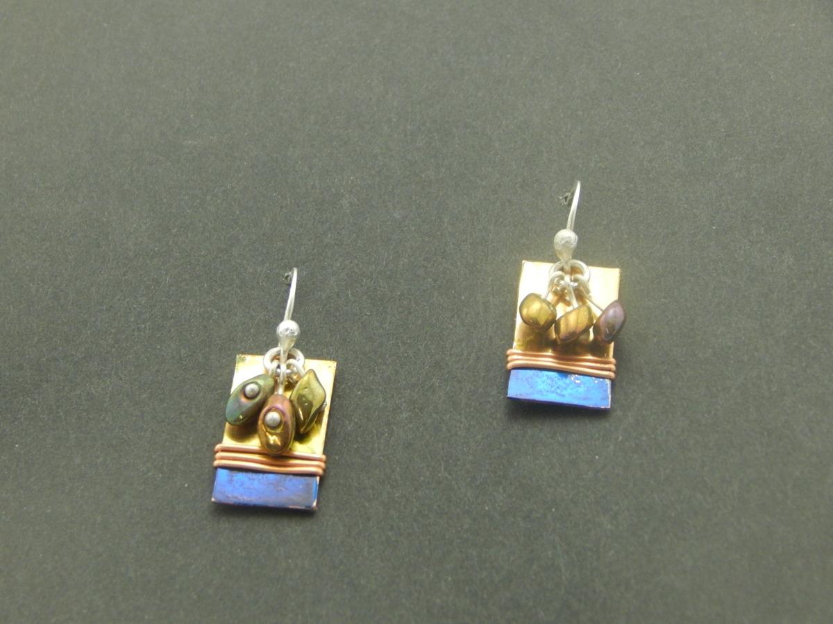 Petite earrings (large view)