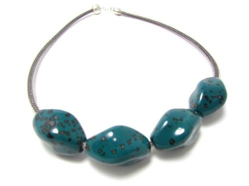 Twisted Porcelain Beads Necklace  (large view)