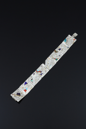 Mimbres link bracelet by Franklin A Carrillo
