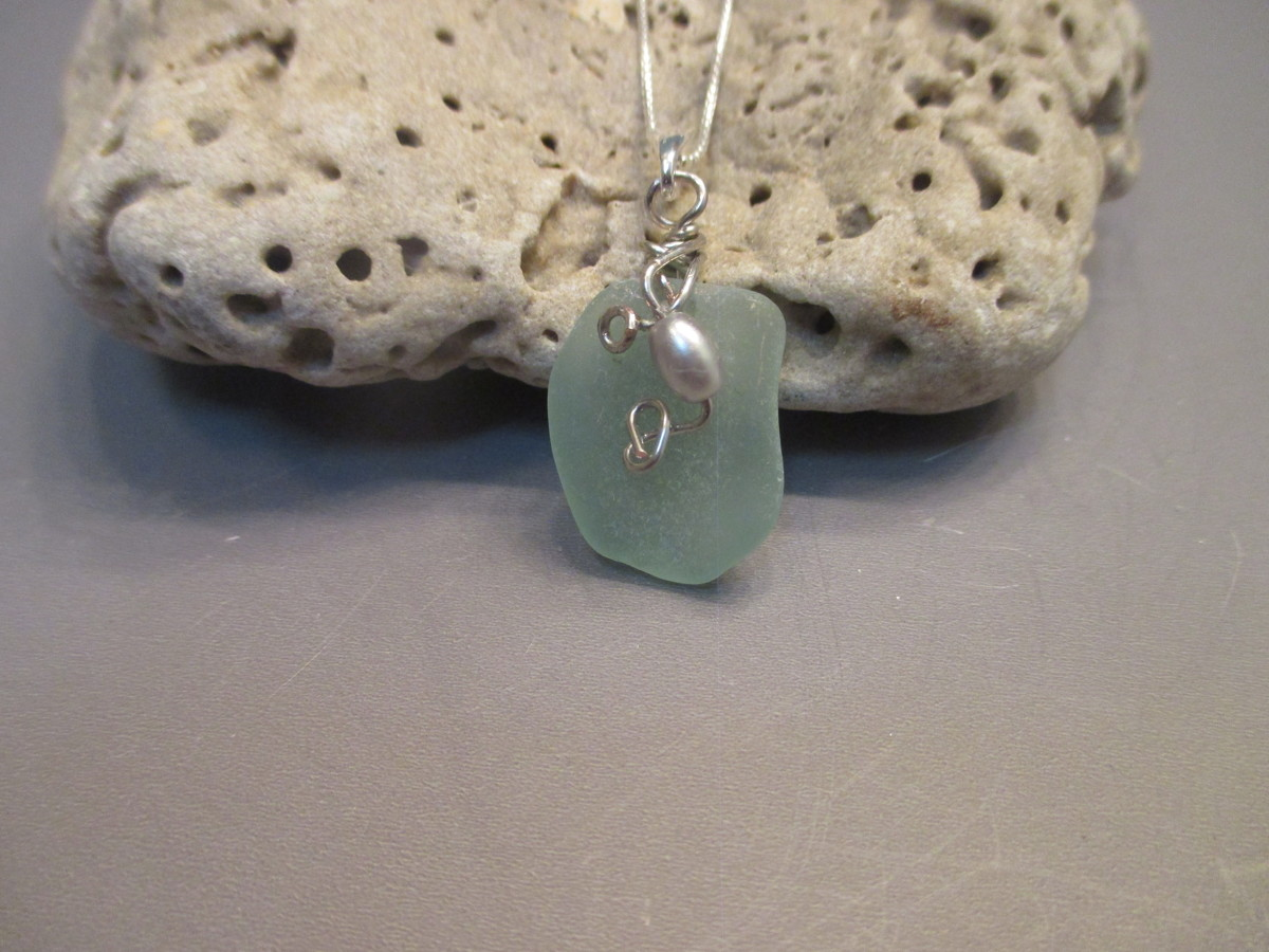 Sea Foam Sea Glass Necklace (large view)