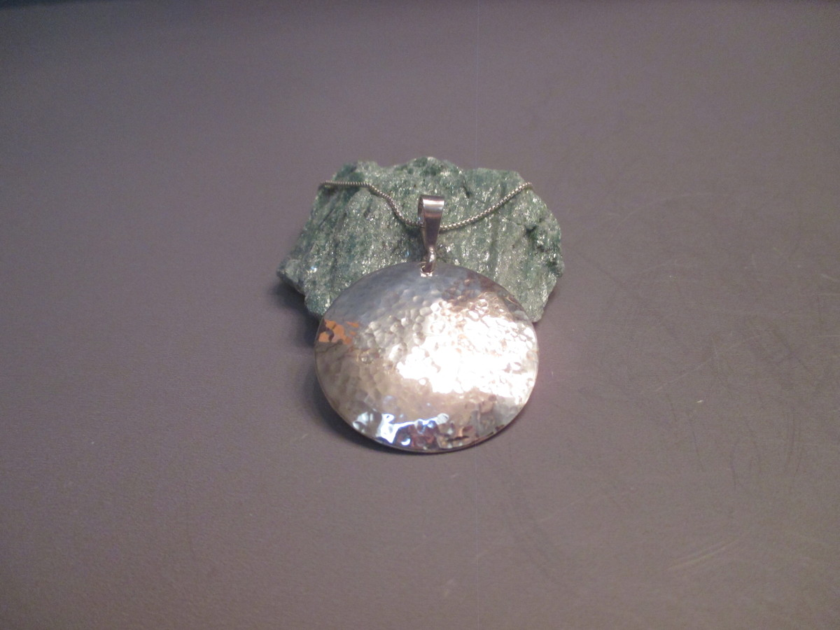 Sterling Silver Hammered Necklace (large view)