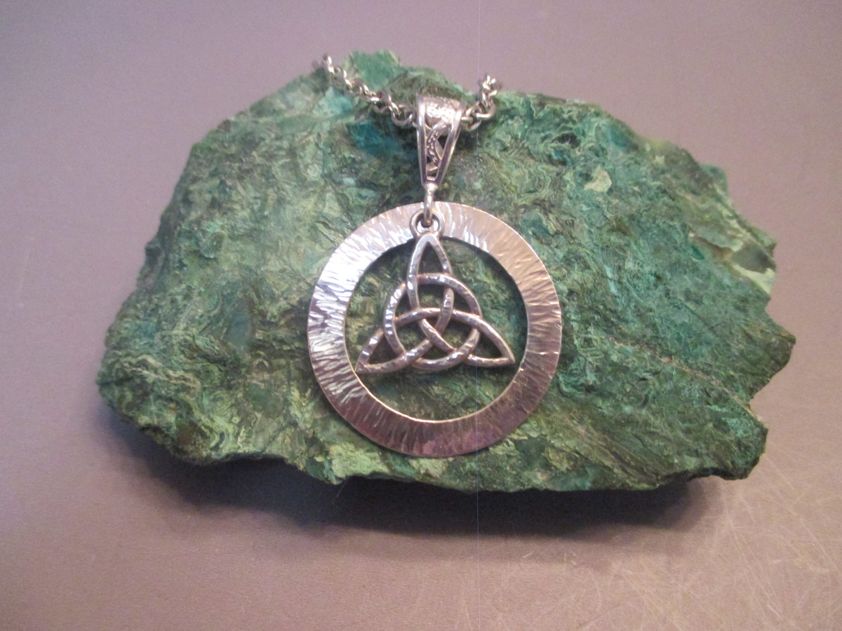 Sterling Silver Celtic Necklace (large view)