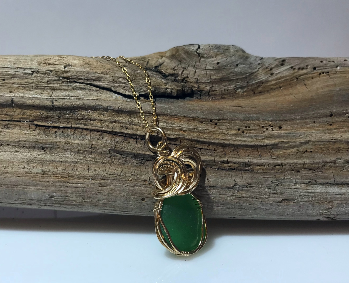 Green Pastures Necklace (large view)