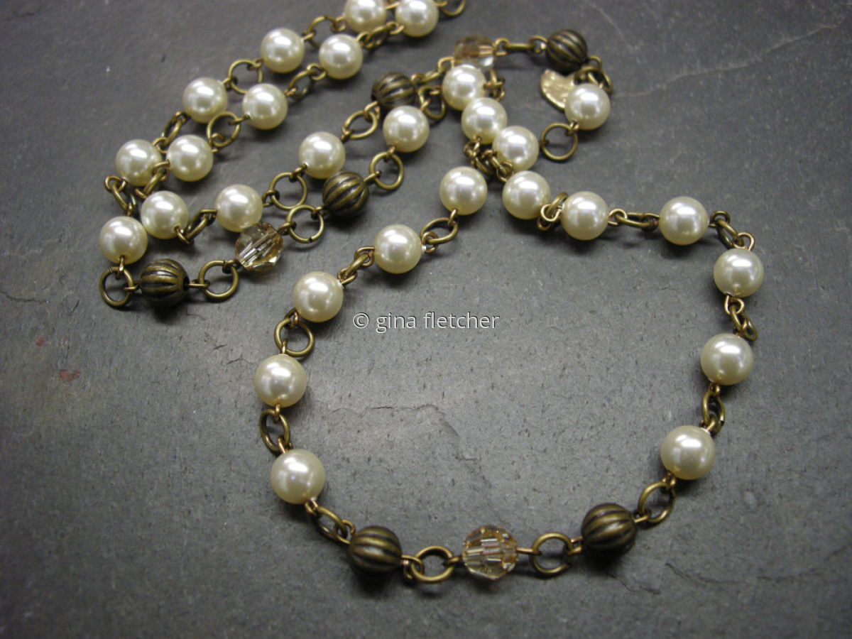 pearl chain (large view)