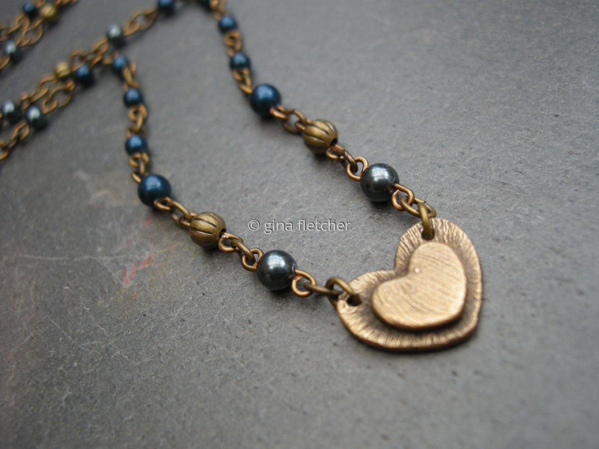 n e c k l a c e . . . bronze . . . heart . . . #919 (large view)