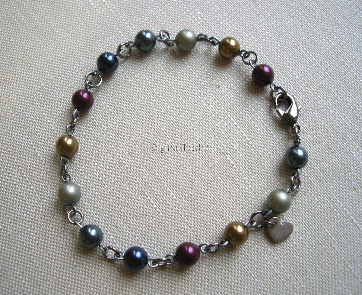 pearl bracelet . . . #005 (large view)