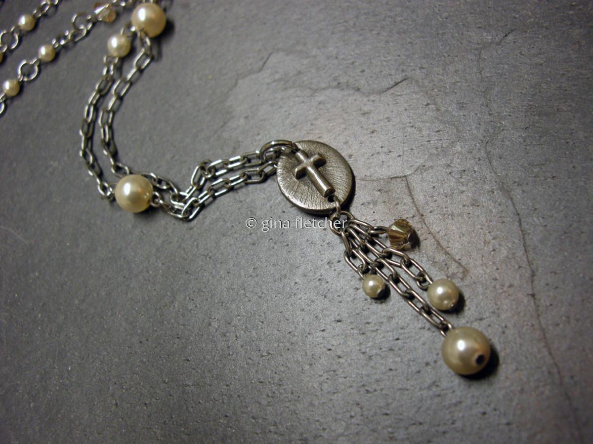 n e c k l a c e . . . cross . . . pearls . . . white copper . . . #894 (large view)