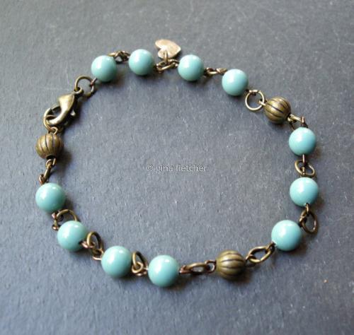 pearl bracelet (large view)