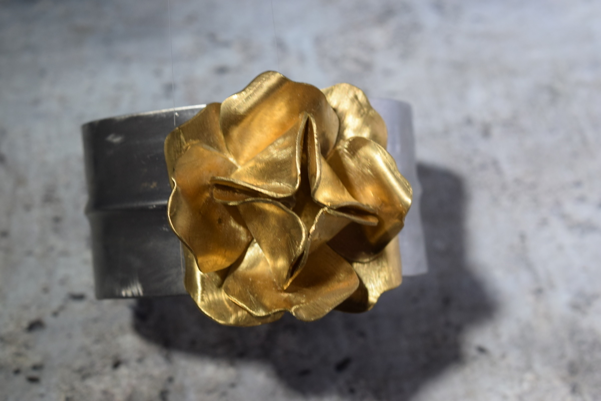 Stainless steel and brass rose (large view)