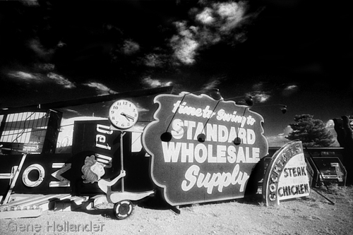 Swinging with Standard Wholesale (large view)