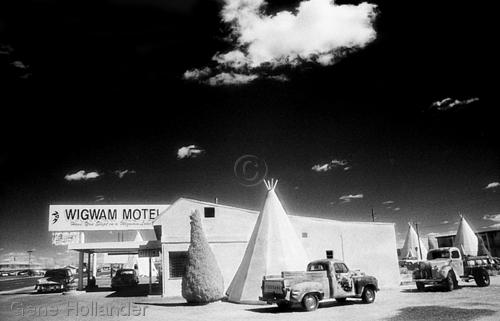 Wigwam Motel (large view)