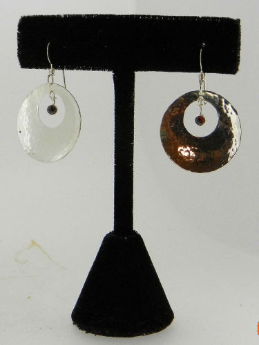 Hammered Disc Earrings w/Garnets (large view)