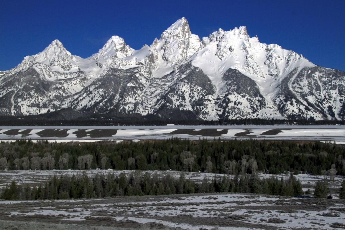 Teton mountains (large view)