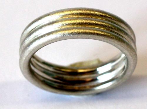 Silver three-wire band