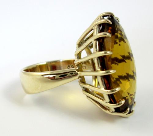 Gold beer quartz ring