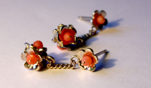 Silver flower earrings with pink coral