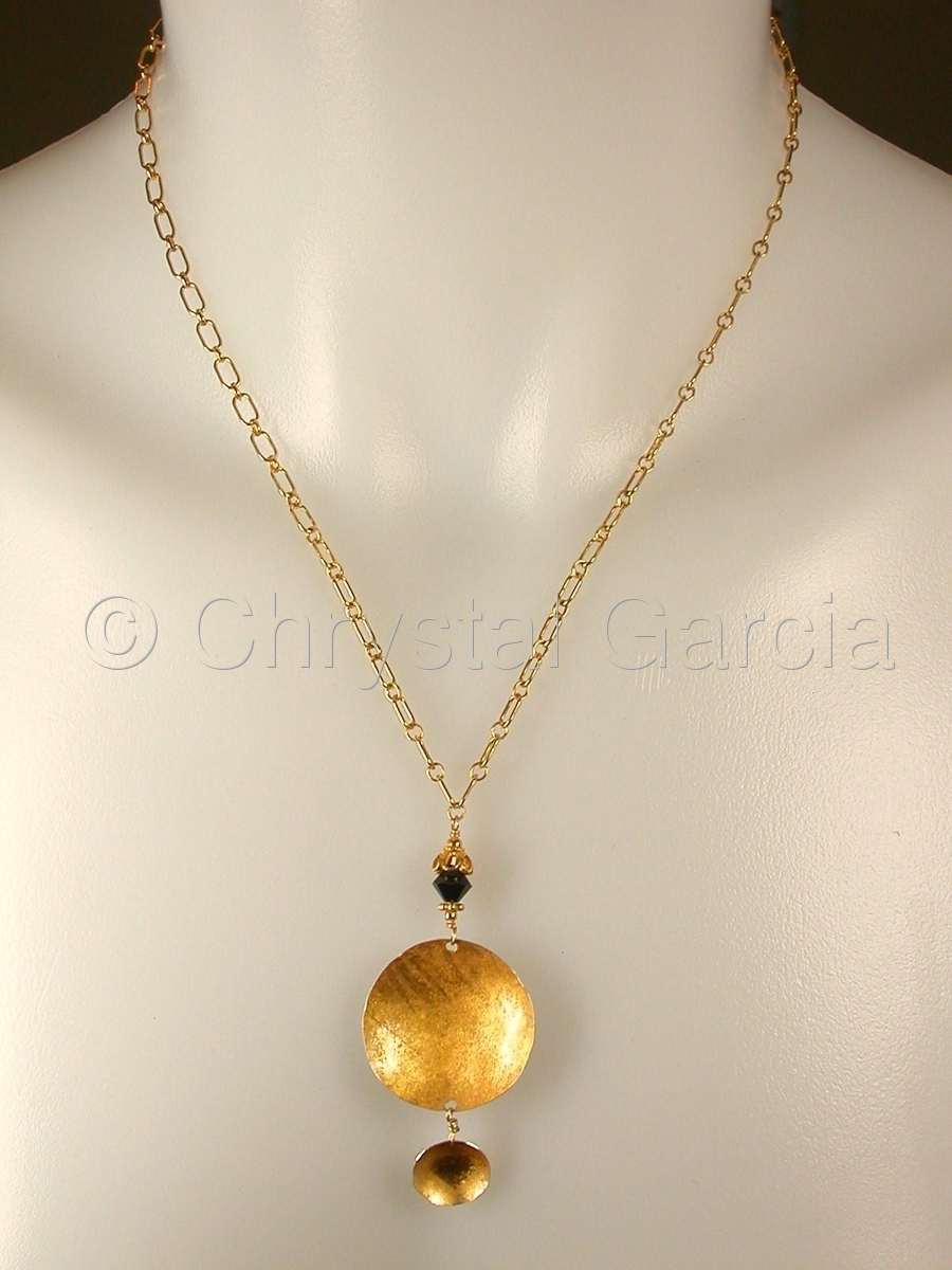 Honeyed Halo Necklace (large view)