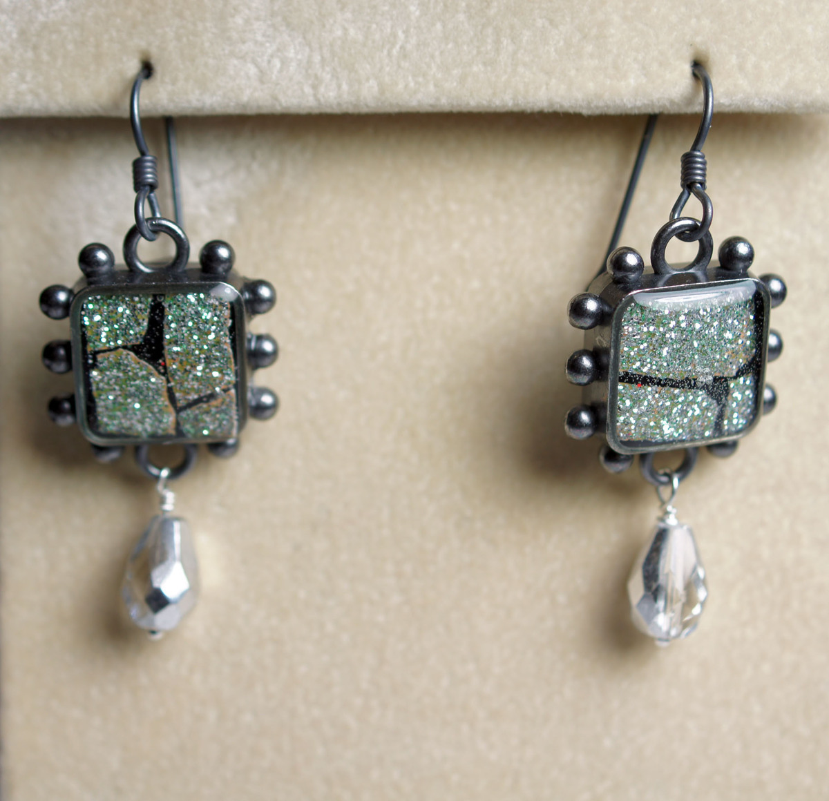 Glitter Eggshell Mosaic Earrings (large view)