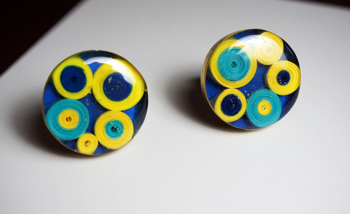 Quilled Paper Cufflinks (large view)