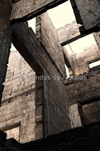 De dentro 16 by Mendes de Almeida