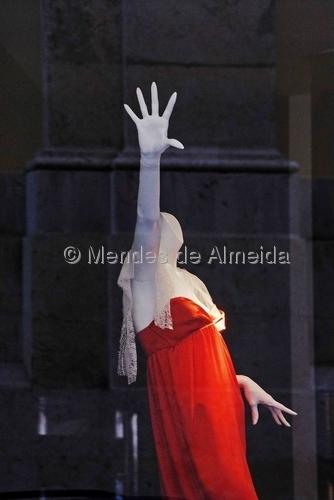 Ao lado - Corpos 05 by Mendes de Almeida