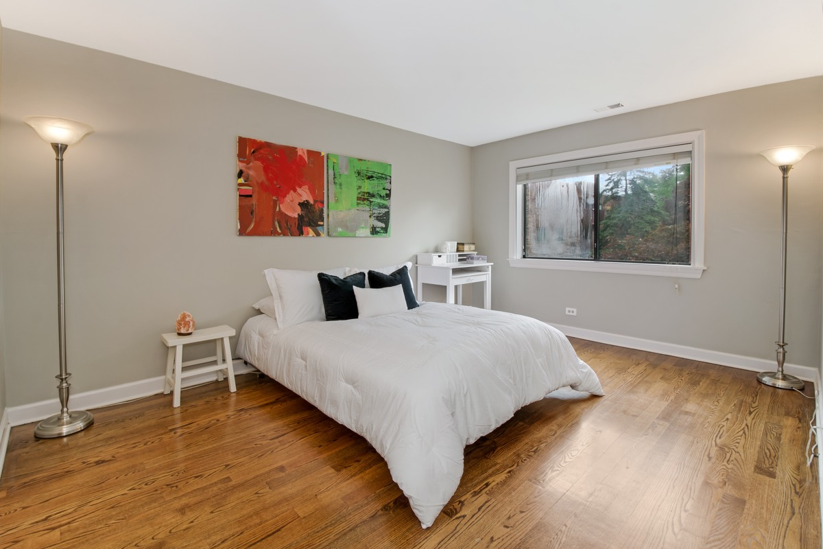 Bedroom Northbrook, Illinois (large view)