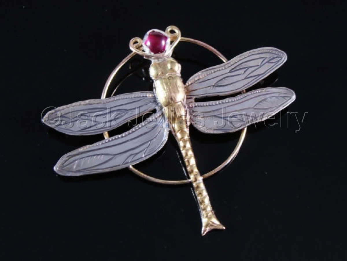 Art nouveau engraved dragonfly brooch (large view)