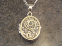 Art nouveau silver locket with 24 k gold and hand engraving (thumbnail)