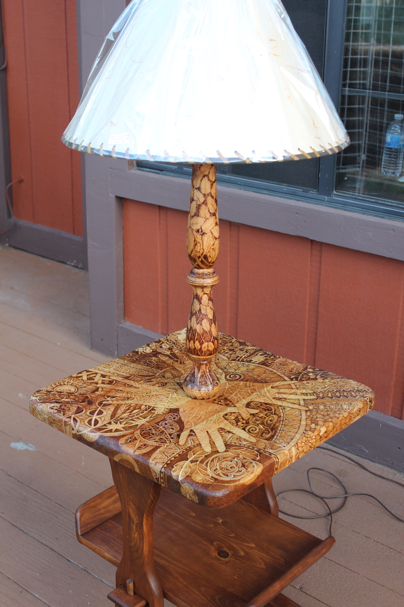 End Table/Lamp (large view)