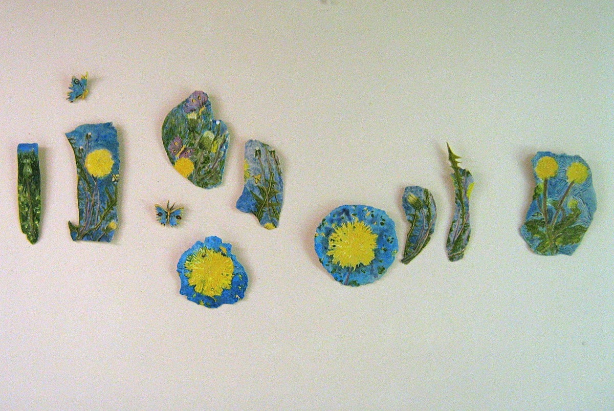 DANDELION FRAGMENTS (Room View) (large view)