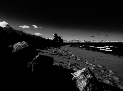 Plage Noire by The Aesthetitrician