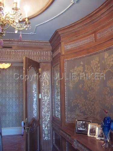 Grained and gilded entry hall