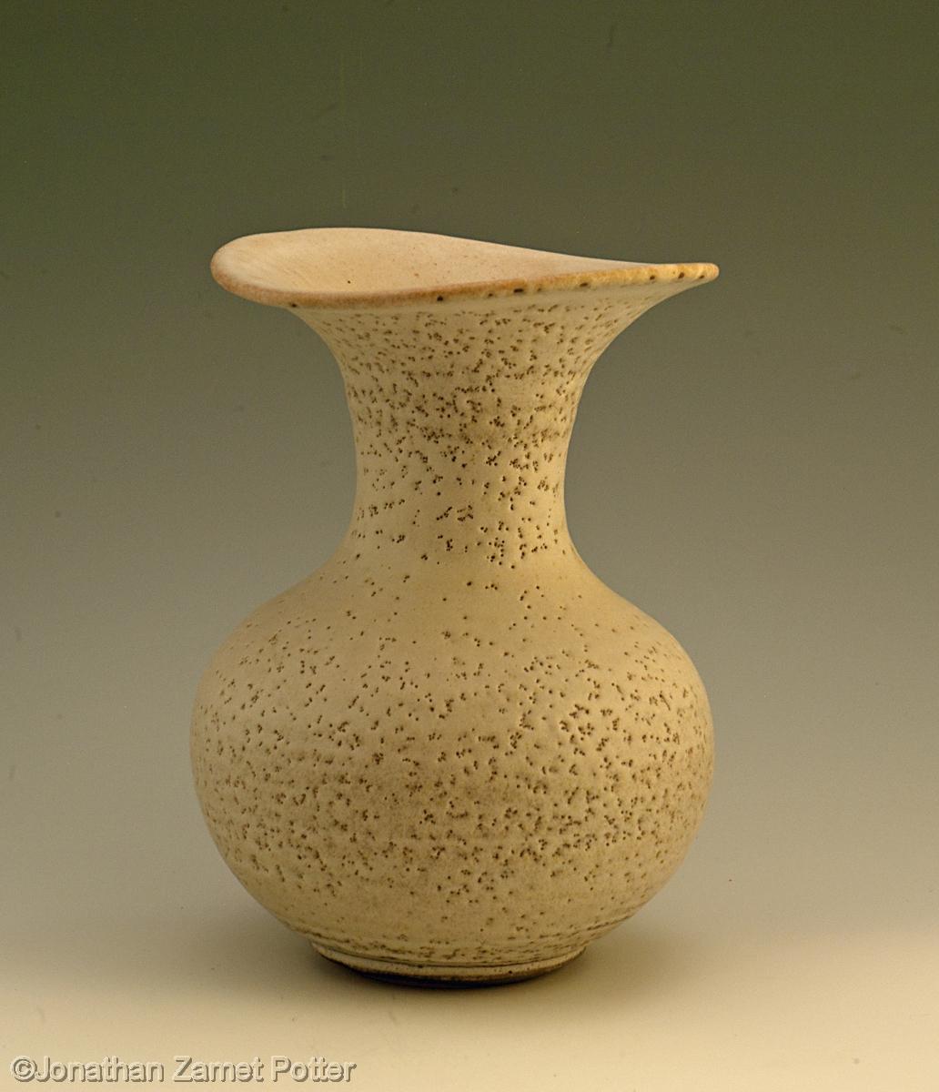 Bottle vase (large view)