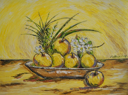Japanese Pears in wooden Bowl