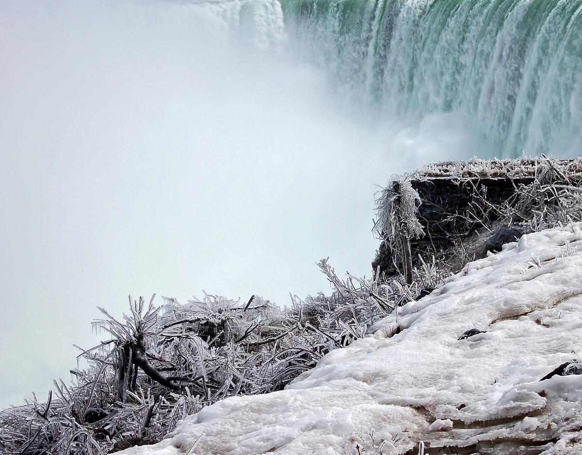 Niagara Mist (large view)