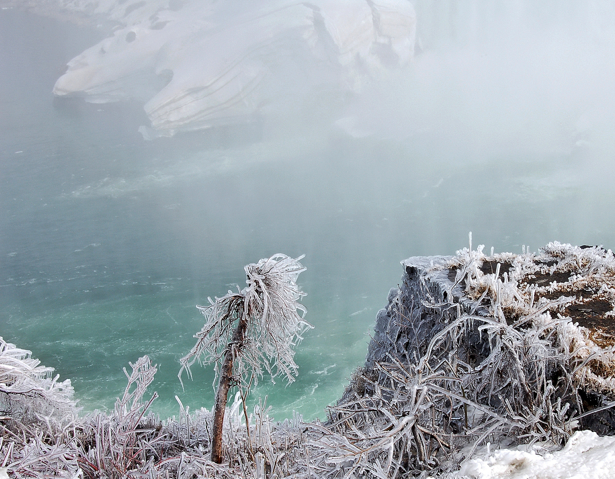 Niagara Ice (large view)