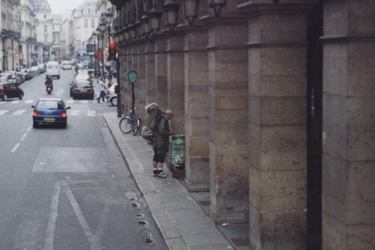 HOMELESS IN PARIS (large view)