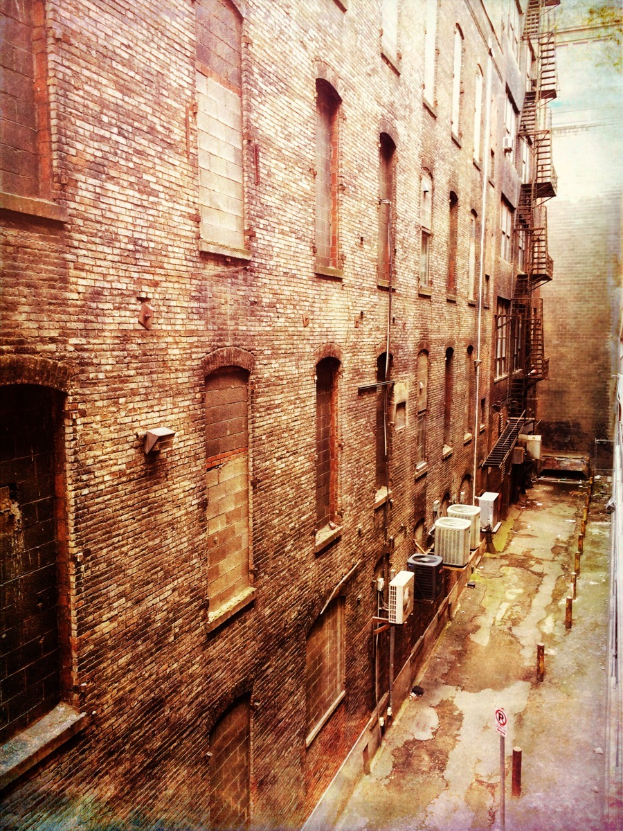 BACK ALLEY (large view)