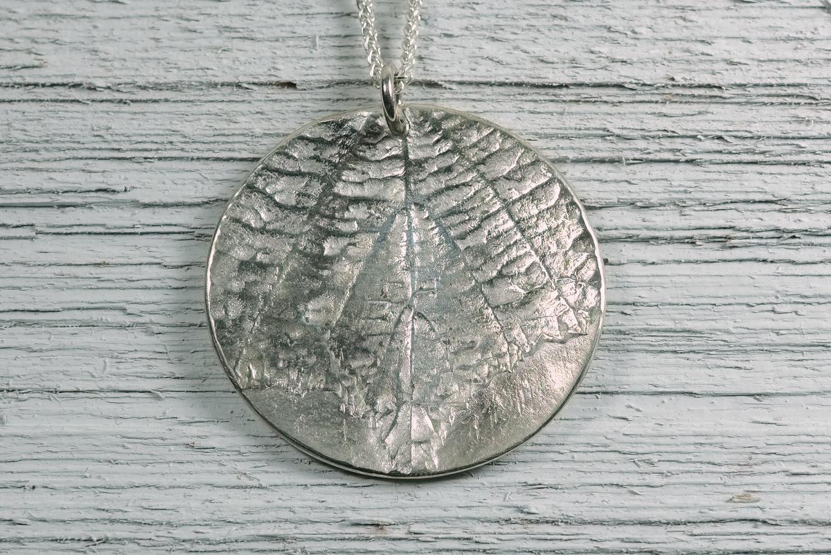 Silver Alder Leaf Pendant (large view)
