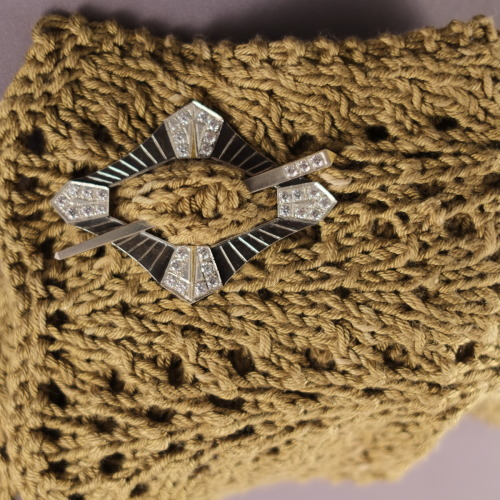 Art Deco Inspired Shawl/Scarf Pin (large view)