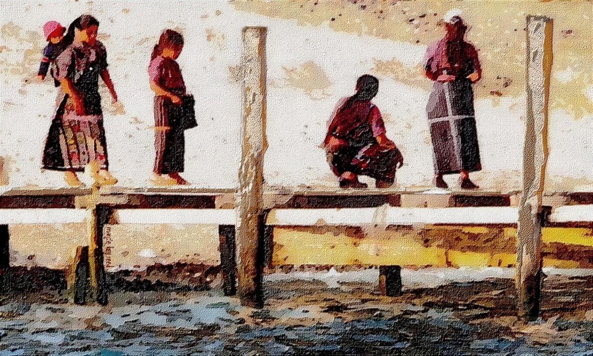 Women on Lake Atitlan (large view)